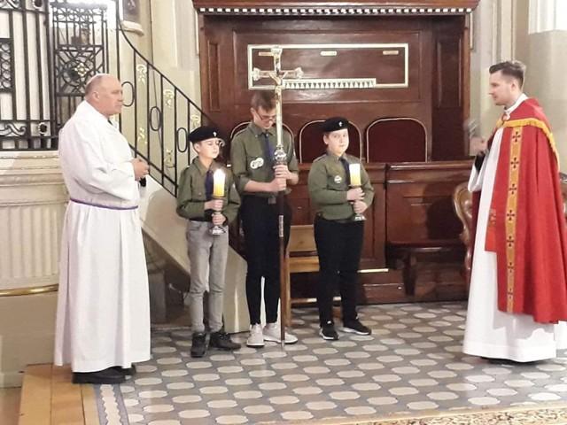 Harcerska Droga Krzyżowa w bazylice w  Bielsku Podlaskim