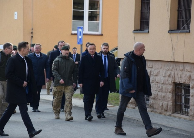Wizyta prezydenta RP Andrzeja Dudy w JWK w Lublińcu oraz hali sportowej ZSP w Herbach 25.02.2019.