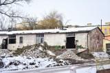 Rozbierają barak zakaźny przy szpitalu w Żninie [zdjęcia]