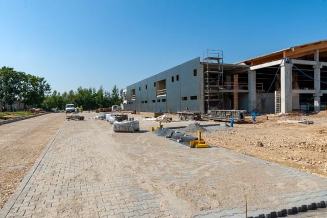Co nowego na placu budowy nowego lodowiska w Bytomiu? Prace idą pełną parą. Zobacz kolejne zdjęcia. Przesuwaj zdjęcia w prawo - naciśnij strzałkę lub przycisk NASTĘPNE >>>