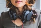 Podcasty, kanały na YouTube i blogi, które warto znać. Poznaj 10 inspirujących kobiet, które w sieci uczą i pokazują różne strony kobiecości