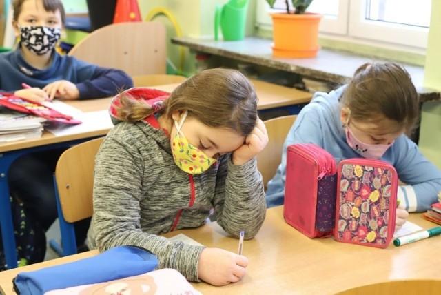 Poniedziałkowe zajęcia stacjonarne w SP nr 111 w Łodzi