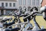 Złodzieje ukradli rowery za 1 mln zł. Właściciel wyznaczył nagrodę za wskazanie sprawców. Najtańsze skradzione modele są warte około 8 tys.