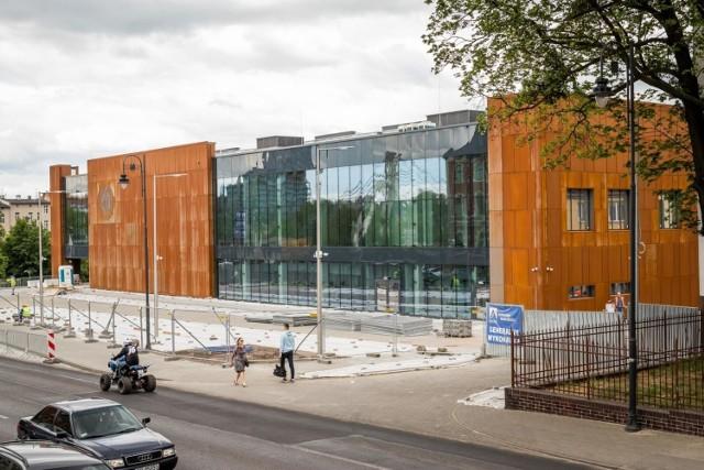 Zobaczcie zdjęcia nowego basenu w Bydgoszczy z zewnątrz i ze środka >>