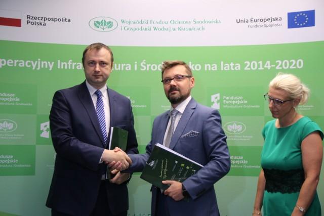 Umowa na dofinansowanie termomodernizacji budynków na Naftowej w Sosnowcu jest już podpisana