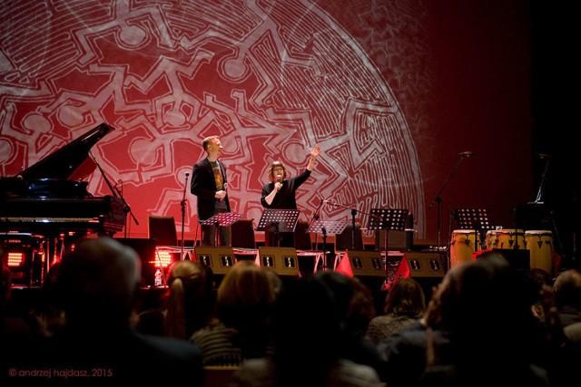 Koncert został zapowiedziany przez Lauren Deutsch i Eryka Kozłowskiego. foto. Andrzej Hajdasz