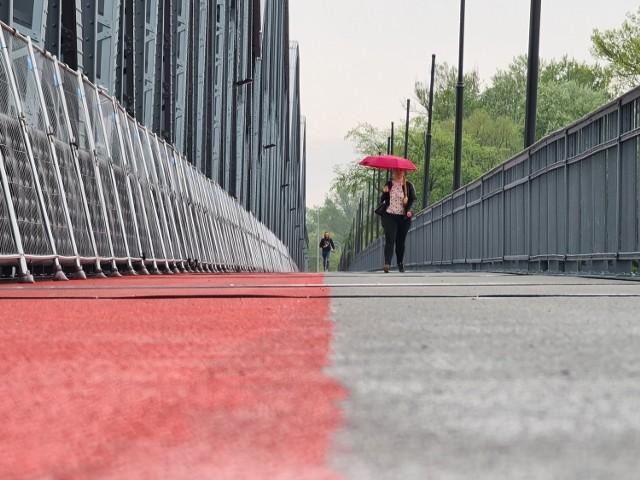 Nowy ciąg pieszo-rowerowy na moście w Toruniu