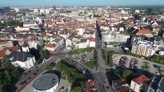Dron nad Poznaniem: Zobacz Sołacz i Chwaliszewo z lotu ptaka
