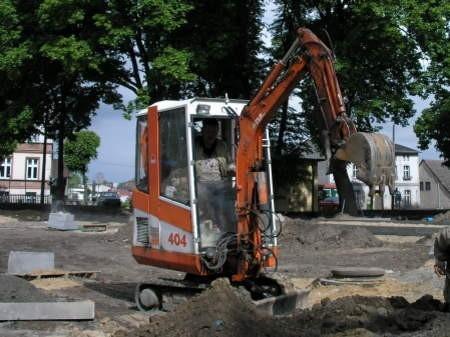 Efekt prac budowlańców przy ul. Mickiewicza w Chojnicach poznamy za miesiąc.