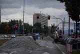 Ruszył remont na torach przy Rondzie. Są utrudnienia dla kierowców i pasażerów tramwajów ZDJĘCIA