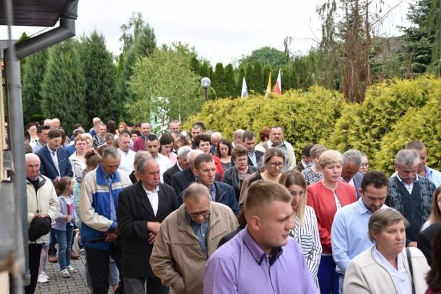 Wielu wiernych wzięło udział w procesji w Wąsowie