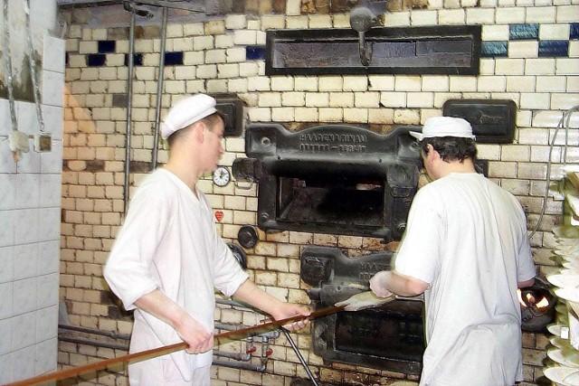Rok 2001, tak pieczono chleb w piekarni Feliksa Wirkusa