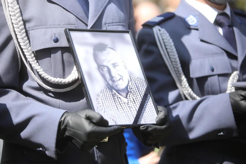 Policjant Michał Kędezierski zginął z rąk bandyty. W...