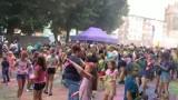 Holy Święto Kolorów w Lęborku! Mnóstwo osób bawiło się podczas barwnej imprezy