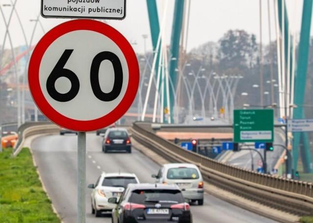 Jeszcze minimum całą zimę jeździć będziemy w Bydgoszczy trasą pełną zakazów