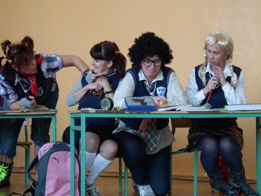 Śrem: szkolny kabaret z okazji święta nauczycieli
