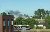 Pożar. Słup dymu na ulicy Przemysłowej w Bydgoszczy. Paliły się elektronarzędzia
