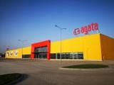 """Śmierć pracownika Agata Meble w Toruniu - po kontroli PIP. """"Błędy w organizacji rozładunku towaru"""""""