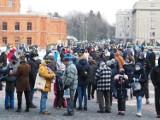 """Znany nauczyciel z Łodzi twierdzi, że policjanci nastraszyli wolontariuszy WOŚP: """"identyfikator jest fałszywy"""", """"młody człowiek to złodziej"""""""