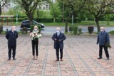 Głogów: Delegacja SLD złożyła kwiaty przy pomniku z okazji Święta Pracy