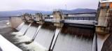 Otworzyli tamę na zaporze przy Jeziorze Mucharskim. Zrzuty kontrolowane są potrzebne, by nie dopuścić do powodzi [VIDEO] [ZDJĘCIA]
