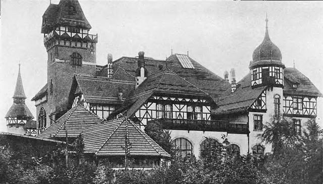 Restauracja Haasego w parku Południowym. Georg Haase był znanym breslaureskim browarnikiem i przedsiębiorcą. Oprócz okazałej restauracji w parku dzierżawił m.in. Piwnicę Świdnicką