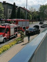 Rybnik: wypadek wozu strażackiego i osobówki na Zebrzydowickiej. Jedna osoba poszkodowana. Droga jest zablokowana