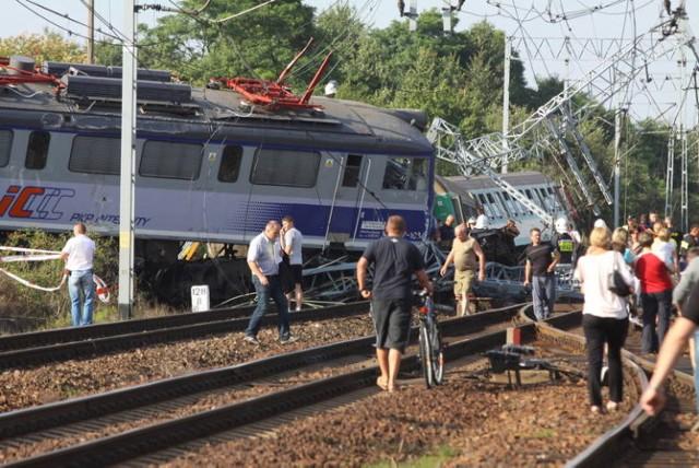 Według śledczych przyczyną wypadku była nadmierna prędkość, z którą pociąg wjechał na rozjazd