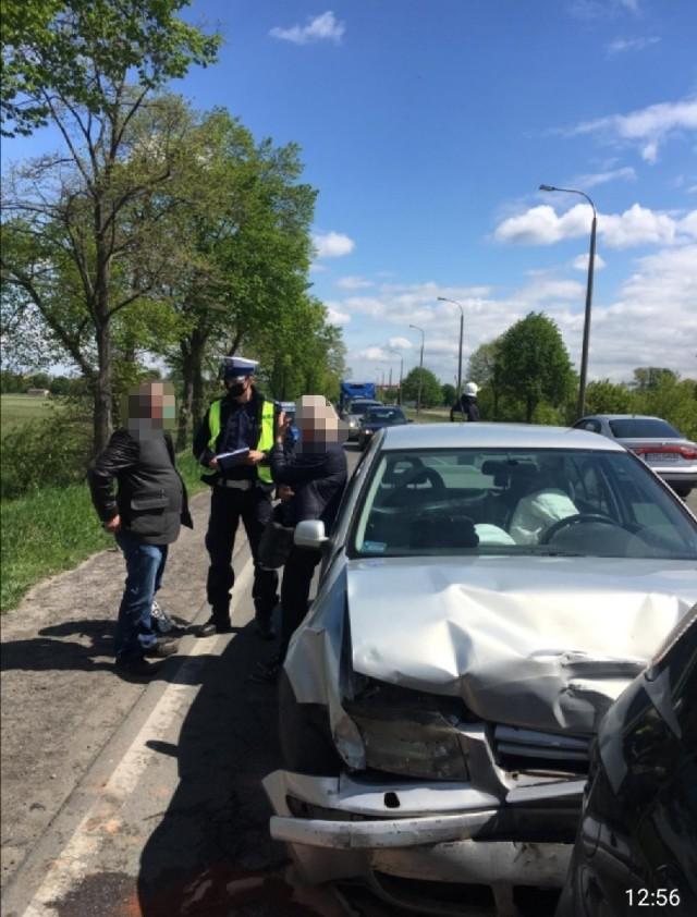 Wypadek w Pradze. Na Drodze Krajowej nr 72 w okolicy budowanych rond zderzyły się cztery samochody osobowe