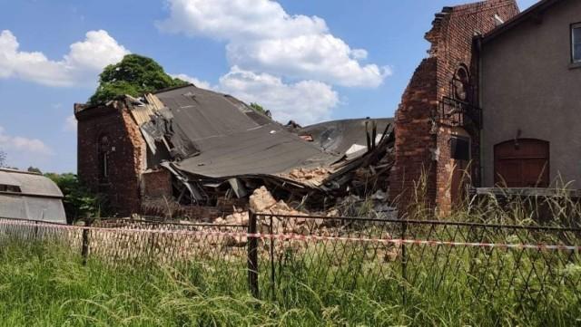 Zawalił się budynek gospodarczy przy ul. Wiejskiej w Siemianowicach Śląskich