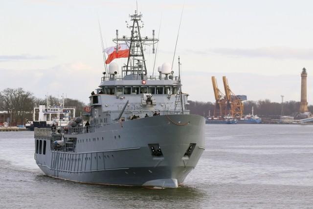 Do portu w Świnoujściu powrócił Kontradmirał X. Czernicki. Był nieobecny 22 miesiące. Od marca 2019 na ORP wykonywane były prace naprawcze związane z zakresem naprawy głównej i dokowej.