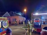 Pakość - Nocny pożar na Rynku w Pakości. Jedna osoba ranna [zdjęcia]