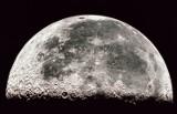 Księżyc mógł powstać w wyniku zderzeń wielu mniejszych księżyców