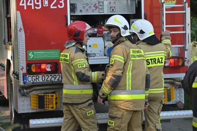 Pożar przy ul. Dębowej w Grudziądzu. Trzy osoby poparzone
