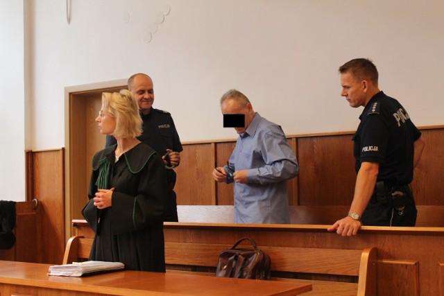 Oskarżony przed sądem