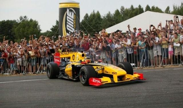 Właściciel firmy organizującej wyścigi Formuły 1, Bernie ...