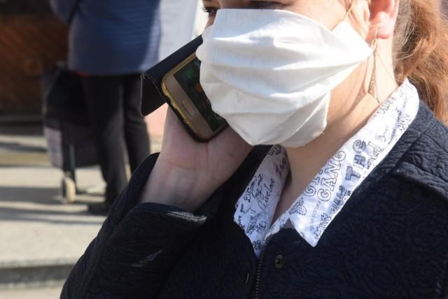 W komunikacji miejskiej nadal trzeba zakrywać nos i usta