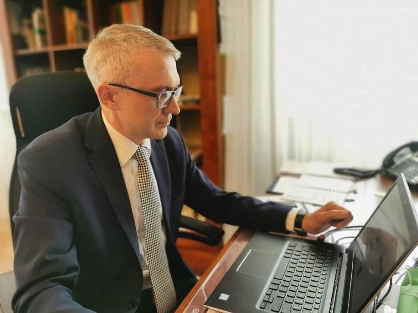 Burmistrz Arkadiusz Ptak odniósł się do krytyki i podsumował weekendowe problemy z wodą