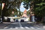"""Malbork. Skargi na """"najdroższy parking w Polsce"""" nie ustają. Turyści ostrzegają się przed postojem w sąsiedztwie zamku. Co na to władze?"""