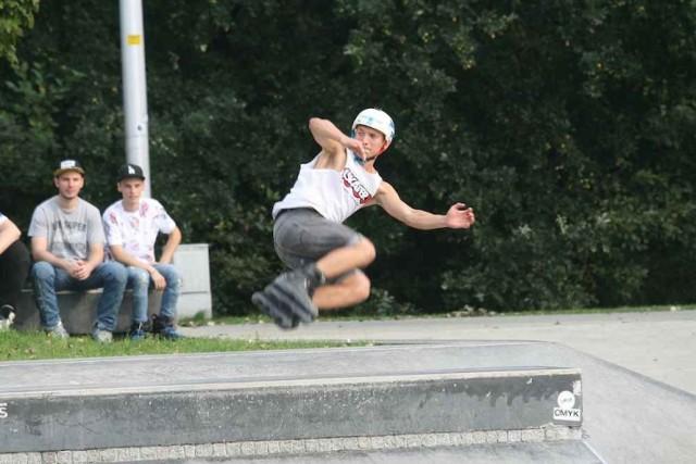 Pokazy w skateparku na os. Paderewskiego w Katowicach