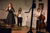 Gniezno. Maja Kleszcz z repertuarem Agnieszki Osieckiej wystąpiła w Starym Ratuszu