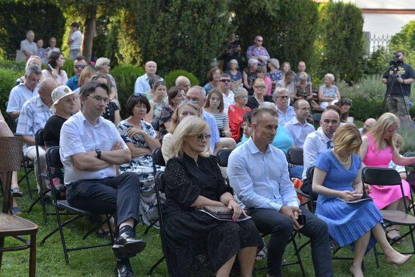 W sobotę, 24 lipca w klimatycznym ogrodzie Marcina z...