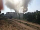 Pożar domu w Tuszynach pod Koronowem. Do walki z żywiołem wysłano osiem zastępów strażaków