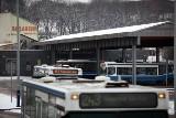 Kraków: większy ruch na terminalu autobusowym. Busiarzy wciąż brak [ZDJĘCIA]