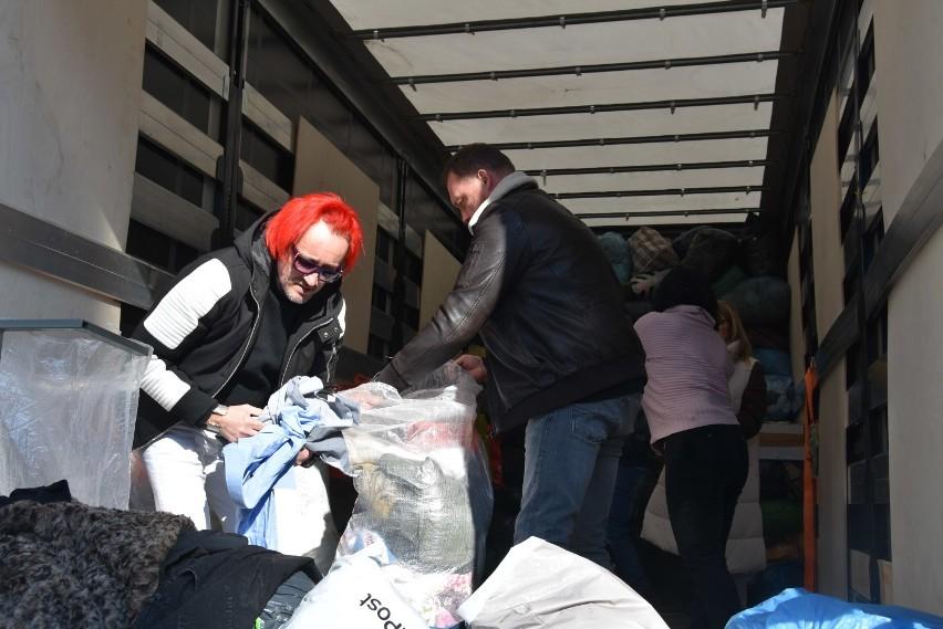 Michał Wiśniewski w Rybniku zbiera ubrania dla chorej Oliwki wspólnie z żużlowym ROW-em