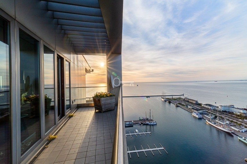 """""""Wisząca willa"""" w Sea Towers wystawiona za 16 milionów zł."""