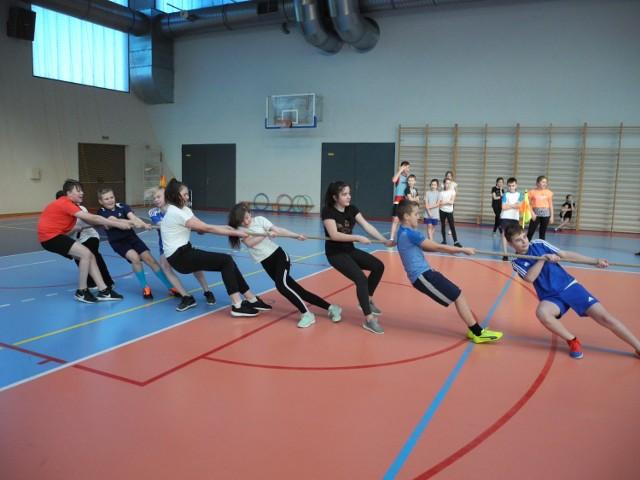 Uczniowie kilku szkół włożyli w rywalizację dużo wysiłku