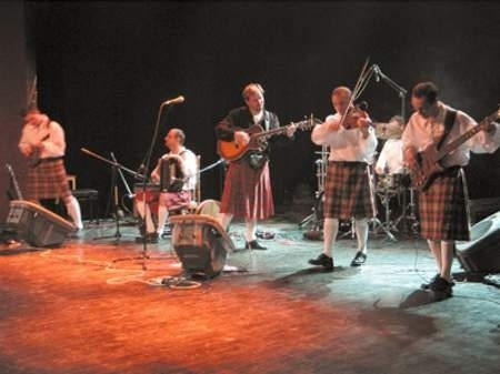 Członkowie zespołu Stonehenge udowodnili, że nie trzeba być Irlandczykiem, by czuć muzykę Zielonej Wyspy.