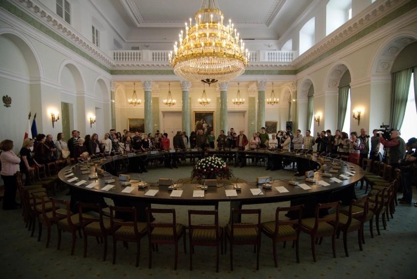 Kraków. Wnioskują o ustawienie repliki Okrągłego Stołu w magistracie