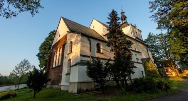 Na kościele pw. Podwyższenia Krzyża Świętego nie stanie na razie stacja bazowa telefonii komórkowej